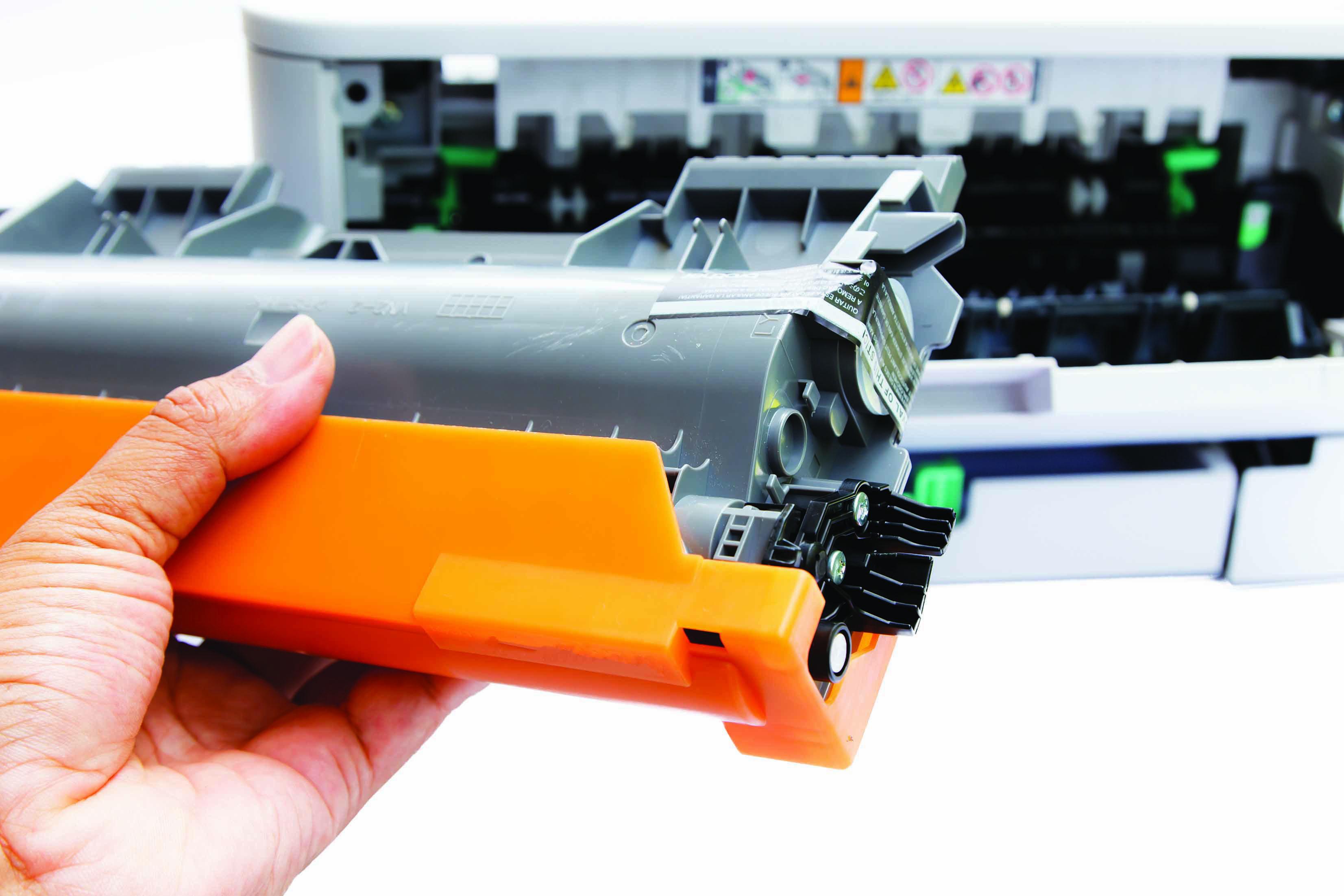 Change cartridge laser printer